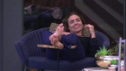 Paula imagina sobre vida após BBB: 'Semana que vem vida nova'
