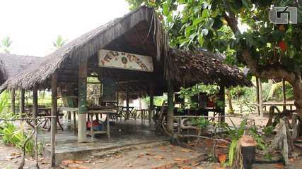 G1 visita a aldeia hippie de Arembepe, no litoral norte baiano