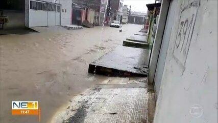 Chuvas causam transtornos na Região Metropolitana do Recife