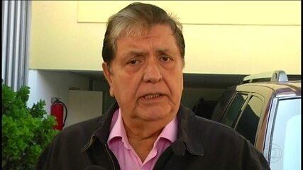 Com a polícia em casa para prendê-lo, ex-presidente do Peru se suicida