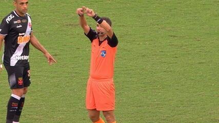 Var anula gol de Gabigol aos 14 do 2º tempo