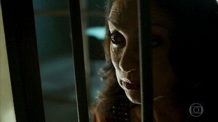 Rania visita Aziz na prisão