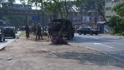 Ministério Público denuncia 12 homens do exército que fuzilaram o carro de uma família