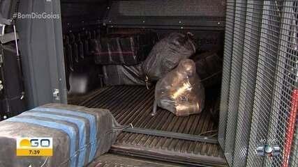 Drogas apreendidas em avião em Gouvelânia chegam à PF em Goiânia
