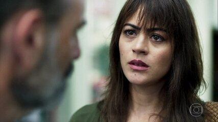 Helena procura Elias