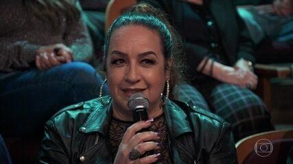Gina lembra de quando o filho contou que tinha criado uma drag queen