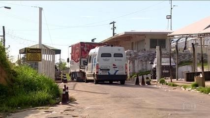 Justiça intervém em penitenciária de Manaus onde mais de 50 presos morreram