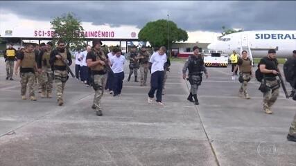 Governo do AM transfere presos acusados de comandar massacre