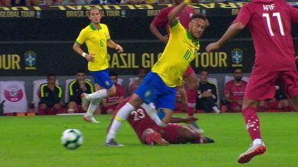 Replay mostra que Neymar vira o pé após entrada de marcador contra o Catar
