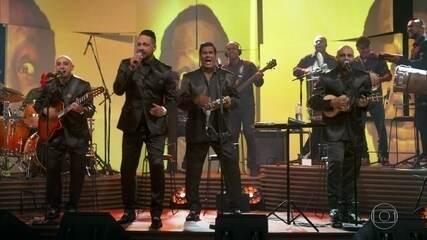 """Os Originais do Samba cantam """"Do Lado Direito Da Rua Direita"""""""