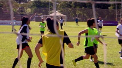 Após cair nas oitavas de final da Copa do Mundo, Brasil começa restruturação pela base no futebol feminino