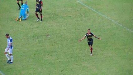 Leandrinho deu bela assistência para o gol de Yan no primeiro jogo