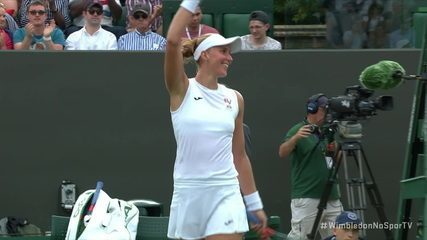 Beatriz Haddad derruba Garbiñe Muguruza, campeã de Wimbledon de 2017