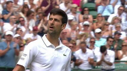 Djokovic quebra polonês com pontaço em Wimbledon