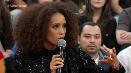 """Taís Araujo diz que está orgulhosa da série """"Aruanas"""""""