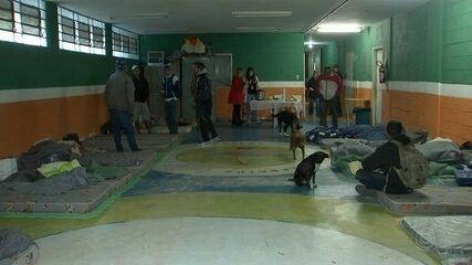 Moradores de rua são abrigados em Itapetininga após registro de baixas temperaturas