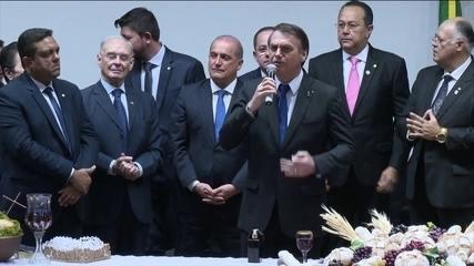Bolsonaro volta a falar em indicar ministro evangélico para o STF