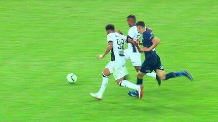 VAR anula gol do Ceará marcado por Matheus Gonçalves
