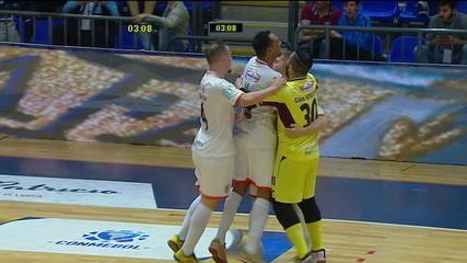 O gol de Julio Zanotto na vitória por 1 a 0 do Carlos Barbosa sobre o Panta Walon (PER) pela Copa Libertadores de Futsal