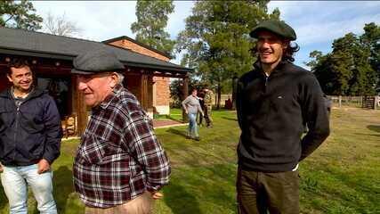 Um dos maiores atacantes do mundo, Edinson Cavani mostra Salto, seu refúgio no Uruguai