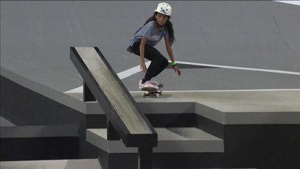 Com apenas 11 anos, Rayssa Leal, a Fadinha, ganha etapa do mundial de skate de rua