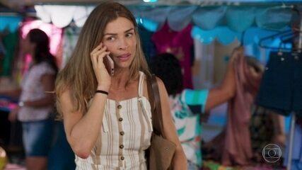 Paloma recebe ligação da escola de seu filho