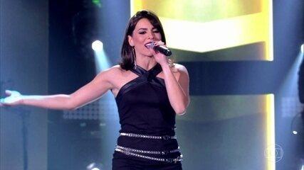 "Carol Coutas canta ""Brasil"""
