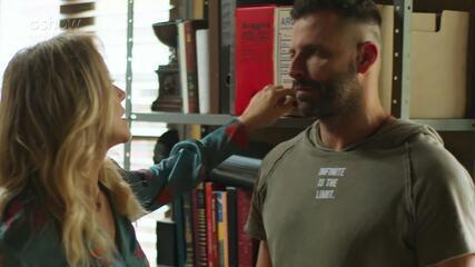 01/8- Teaser 'Malhação - Toda Forma de Amar': Karina fica encantada com Madureira