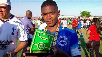 Destaque pelo Gogó da Ema, na Taça das Favelas, Ronald assina com Flamengo