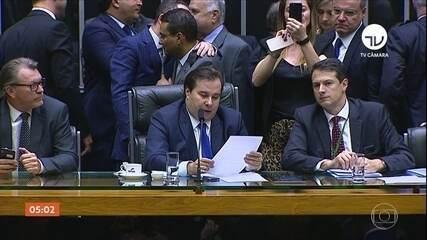 Parlamentares aprovam texto-base da reforma da Previdência em segundo turno