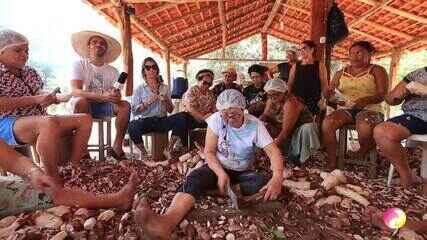 Programão mostra a tradição da farinhada e todo o afeto familiar envolvido