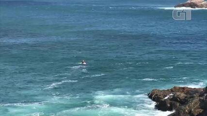Marinha faz buscas por homem que desapareceu após fazer trilha e entrar em mar de Arraial