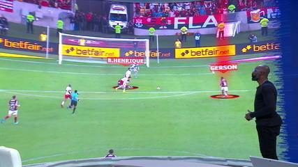 Grafite analisa primeiro gol do Flamengo no telão do Troca de Passes