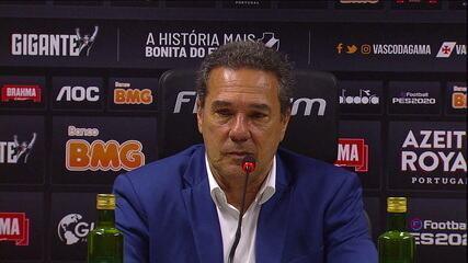 """Vanderlei Luxemburgo diz que Vasco teve a inteligência de jogar com a posse de bola: """"Uma vitória de Vasco da Gama"""""""