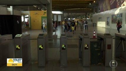 Metrô do Recife volta a funcionar após problema que fechou 17 estações da Linha Centro