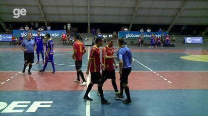 Atletas do Cajuína reclamam de falta e são expulsos de quadra na semifinal