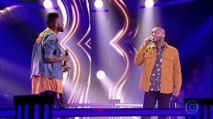 """EL1 e Vidal Assis cantam """"Na Rua, Na Chuva, Na Fazenda (Casinha De Sapê)"""""""