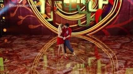 Giovanna Lancellotti dança forró com Danniel Navarro