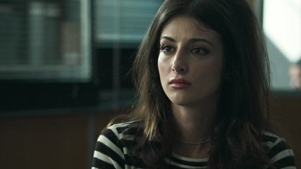 Camila confessa a Almeidinha, Laila e Jamil que foi ela quem tirou a vida de Aziz