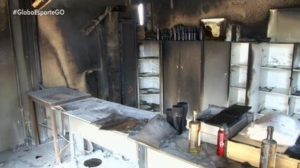 Loja do Vila Nova é incendiada após derrota para o Botafogo-SP