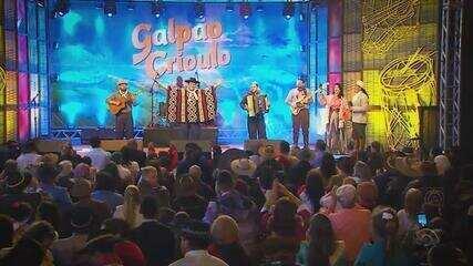 Confira as atrações do Galpão Crioulo deste domingo (22)