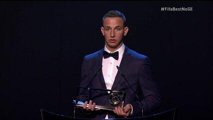 Dániel Szóri, do Debrecen, vence Prêmio Puskas em cerimônia da Fifa