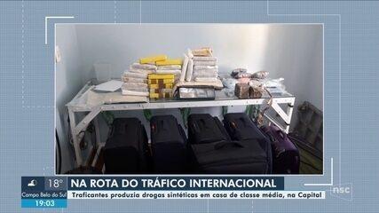 Malas com 50 quilos de cocaína são encontradas em 'laboratório de drogas' em Florianópolis
