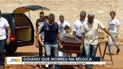 Corpo de goiano que morreu na Bélgica é enterrado em Anápolis