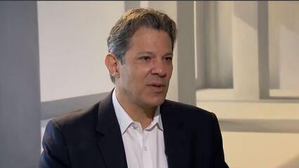 Andréia Sadi conversa com Fernando Haddad, ex-ministro da Educação