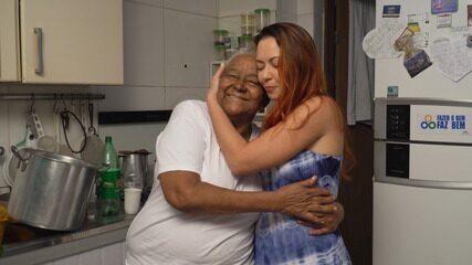Briza se conecta com a rezadeira Raimunda Auê, que fala sobre a tradição do banho de folha