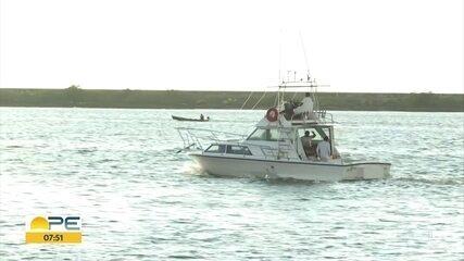 Quatro mergulhadores são encontrados após 13 horas à deriva