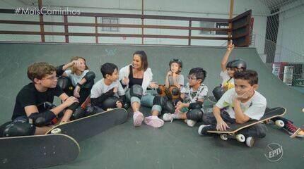 Cris Ikeda conhece crianças que arrasam no skate