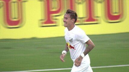 Gol do Bragantino! Após Tubarão acetar a trave, Wesley só empurra para o gol, aos 34' do 2ºT