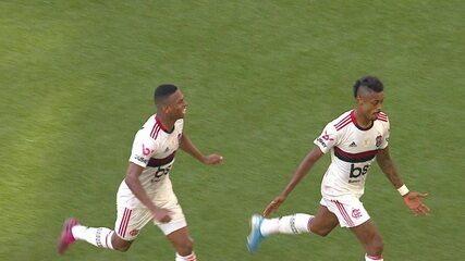 Gol do Flamengo! Zaga e goleiro se enrolam, e Bruno Henrique marca, aos 44 do 1º tempo